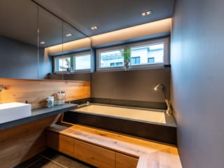 Wood and Slate Modern Banyo Vivante Modern