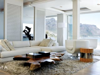 Suspended Clifton Apartment Modern living room by Jenny Mills Architects Modern