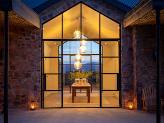 Cederberg Ridge by Jenny Mills Architects Rustic