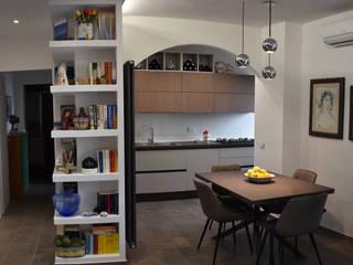Open Space, nuova tendenza del living moderno e funzionale Sala da pranzo moderna di Ma.Ni. Ristrutturazioni Moderno