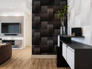 Palladino Arquitetura Minimalist corridor, hallway & stairs