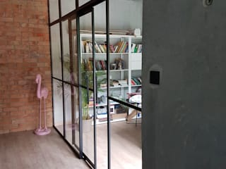 Steel Sliding office separation door and screen. Urban Steel Designs 문 금속 검정