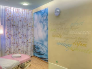 lieber feng shui Hospitales de estilo clásico Amarillo