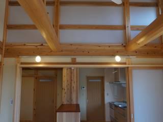 神ノ郷の家 和風デザインの リビング の オダ工務店株式会社 和風