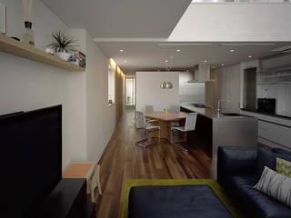 株式会社 片岡英和建築研究室 Salas modernas Blanco