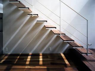 株式会社 片岡英和建築研究室 Escaleras Madera Acabado en madera