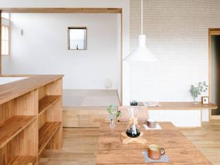 おかやま設計室 Living room Wood White