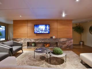 Suite Conceito Luxo e Tecnologia Equipotel 2019 Salas de estar modernas por Bibiana Menegaz - Arquitetura de Atmosfera Moderno