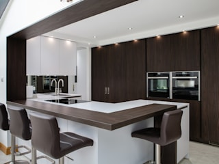 Contemporary open plan kitchen dining room Modern kitchen by Kreativ Kitchens Modern