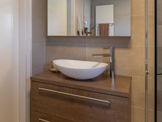 Badkamer voor de toekomst: modern  door Maxaro, Modern