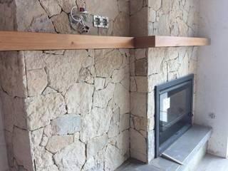 Detalhes de Pedra Rústica Salas de estar rústicas por A. F. da Costa & Filhos, Lda Rústico