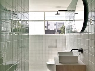 Baños minimalistas de DOSA STUDIO Minimalista