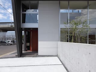 松河戸の家 の 有限会社笹野空間設計 モダン