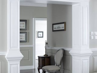 Georgian home –All about graceful details, timeless and elegant simplicity…. Classic style corridor, hallway and stairs by JC Vision Classic