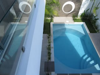 Modern pool by Zen Ambient Modern