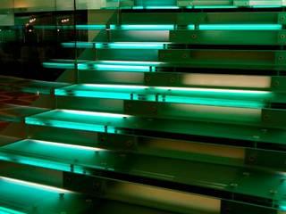 Glass staircase 모던스타일 복도, 현관 & 계단 by Ion Glass 모던