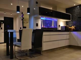 FC HOUSE Cocinas modernas: Ideas, imágenes y decoración de C&R Arquitectura Moderno