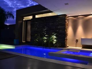 FC HOUSE de C&R Arquitectura Moderno