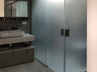 AISI Design srl Minimalist bathroom