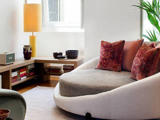 OMNU_Creative Houses Ruang Keluarga Gaya Eklektik