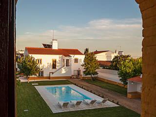 Área de Piscina Hotéis campestres por OMNU_Creative Houses Campestre