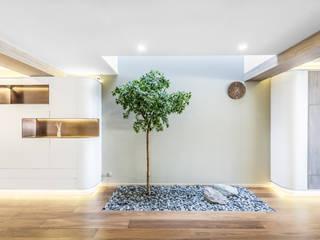 Hong Kong YL Residence 现代客厅設計點子、靈感 & 圖片 根據 Office for Fine Architecture 現代風