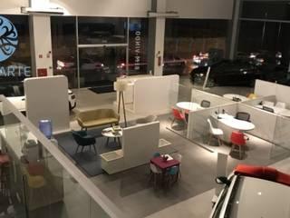 Showroom de Concessionária por Ajala Arte Comercio de móveis e decorações ltda Moderno