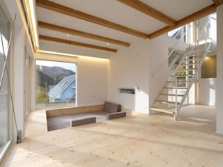 house-yama 山を望む家 北欧デザインの リビング の 株式会社ピー・アイ・イー 北欧