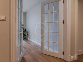 Roble Classic corridor, hallway & stairs