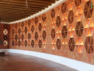 Residencia Monclova Pasillos, vestíbulos y escaleras rústicos de Adobe Rústico
