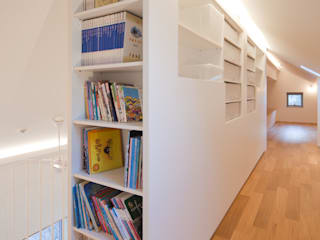 대가족을 위한 맞춤 시공/설계 세종목조주택 모던스타일 서재 / 사무실 by 위드하임 모던