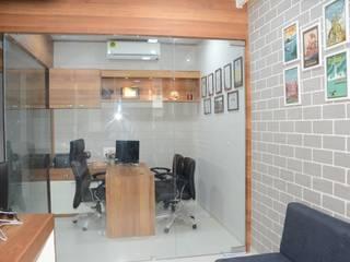 Best voyage pvt. ltd. Gandhinagar branch Minimalist study/office by scale studio Minimalist