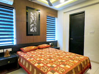 Monnaie Interiors Pvt Ltd Small bedroom Engineered Wood Wood effect