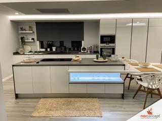 Cozinha Branco brilho Norconcept cozinhas Interiores e renováveis lda CozinhaArmários e estantes Branco