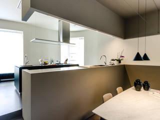 Colori da abitare Cucina moderna di FAD Fucine Architettura Design S.r.l. Moderno