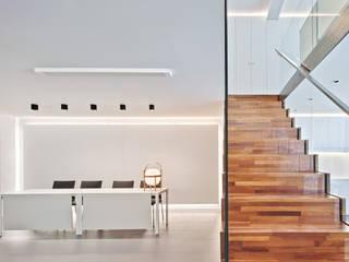 SERVIFINQUES Espacios comerciales de estilo moderno de GUILLEM CARRERA arquitecte Moderno