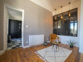 appartement ancien masculin Salon original par MISS IN SITU Clémence JEANJAN Éclectique