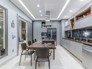 Manuela Godoy arquitetura e interiores Кухонні прилади MDF Бежевий