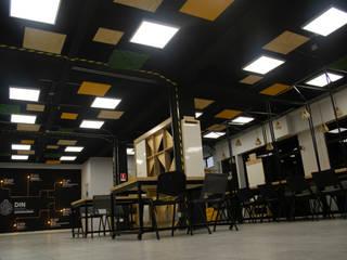 Makerspace Valparaiso Oficinas y bibliotecas de estilo moderno de Vetas · Diseño Mobiliario Moderno