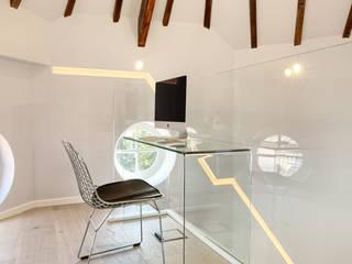 Cúpula en edificio histórico Estudios y despachos de estilo minimalista de MEDITERRANEAN FUSION S.L. Minimalista