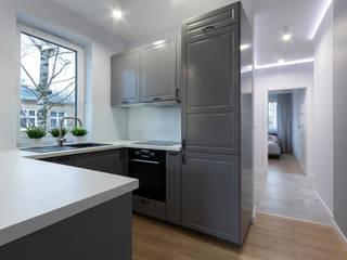 Mieszkanie W1 Klasyczna kuchnia od DCODE Emilia Krysińska Projektowanie Wnętrz i Architektura Klasyczny