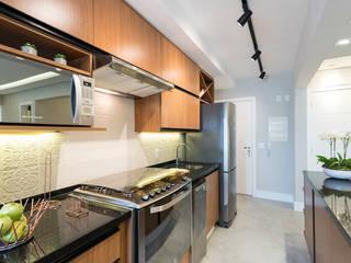 Ju Miranda Arquitetura Modern kitchen