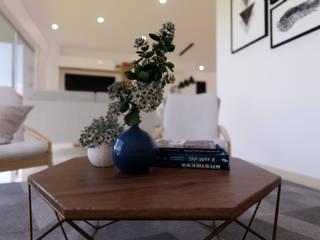 DIKTURE Arquitectura + Diseño Interior Moderne Wohnzimmer Holz Blau