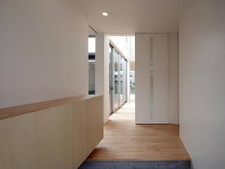 日進の家 モダンスタイルの 玄関&廊下&階段 の 有限会社笹野空間設計 モダン