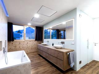 Holzbau Moderne Badezimmer von Holzbau Feuerstein GmbH & CO KG Modern