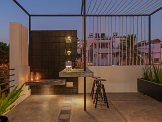 Balcones y terrazas de estilo moderno de Ashwin Architects In Bangalore Moderno