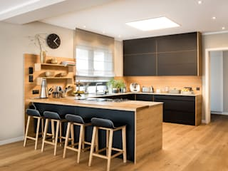 CONSCIOUS DESIGN - INTERIORS Built-in kitchens Wood Black