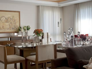 Classic style dining room by arquiteta aclaene de mello Classic