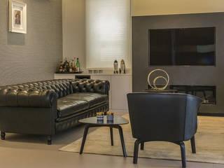 casa P.R. michelepiccolo+partners SoggiornoDivani & Poltrone Pelle Nero