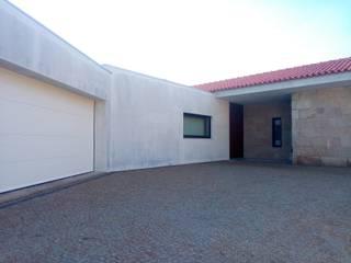 Moradia PF Casas modernas por João Oliveira, arquitecto Moderno